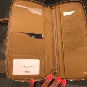 Tumi travel wallet-NWT